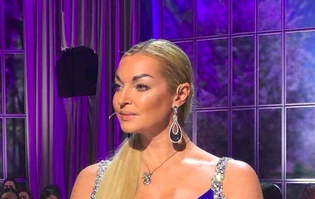 """Волочкова в прозрачном платье засветила грудь: """"А тут сюрприз...!"""""""