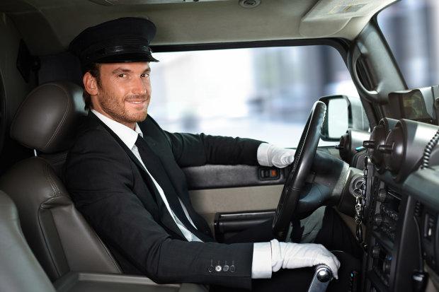 В сеть попало видео с идеальным водителем: мастер-класс, который под силу каждому