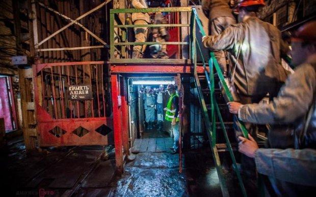 Мітинг у підземеллі: коли українським гірникам повернуть численні борги