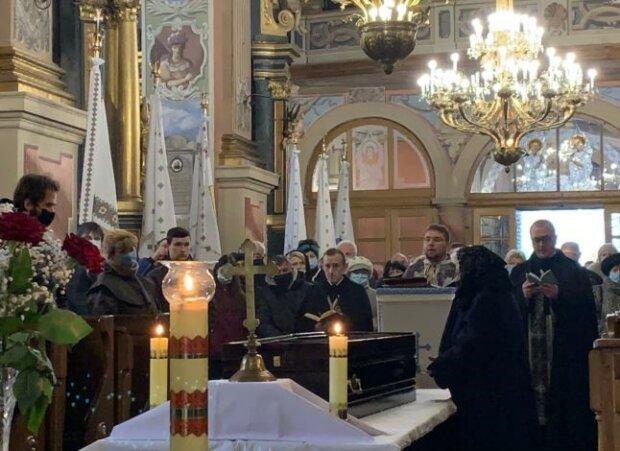 У Львові поховали легендарного Віктюка - ридали, як за Скрябіним