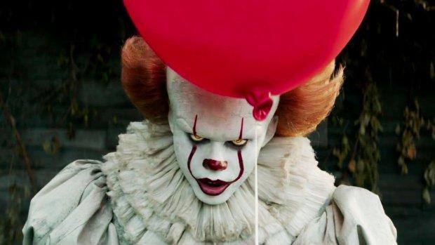 Як налякати друзів: доставка пончиків від страшного клоуна