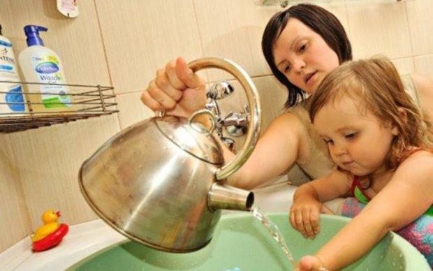 В КГГА передумали отключать горячую воду