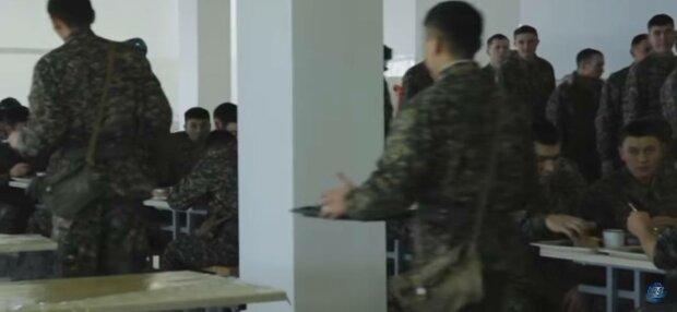 Військова їдальня, фото: скріншот з відео