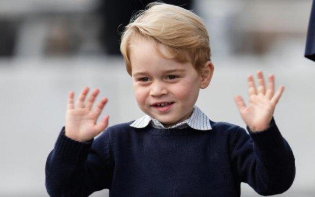 Спадкоємець британської корони пішов у перший клас. Поки без корони