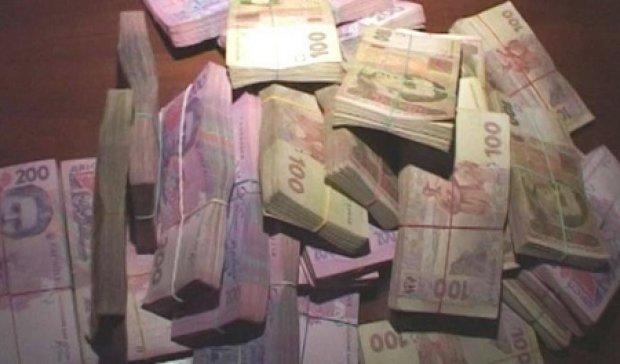 Столичний посадовець розтратив мільйон державних коштів