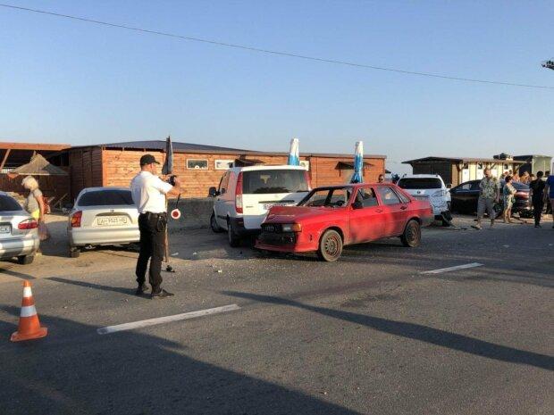 У Бердянську оскаженіла автівка збила сім'ю туристів, жінка впала в глибоку кому: подробиці трагедії