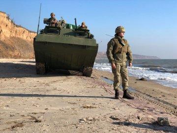 Президент терміново вводить воєнний стан, кордони на замку