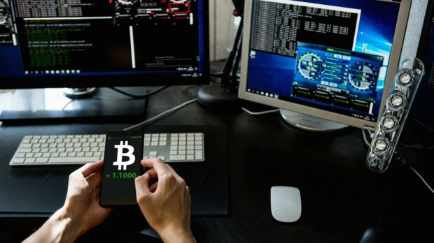 Що таке біткоин, криптовалюта, майнінг і блокчейн: пояснення простими словами