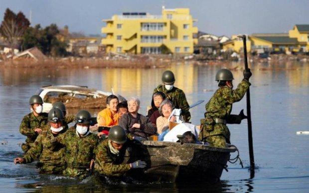 Десятки померлих та півсотні зниклих: країну атакувала потужна стихія