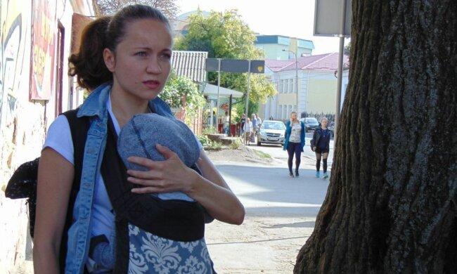 Оксана Майборода з дитиною, фото: Facebook