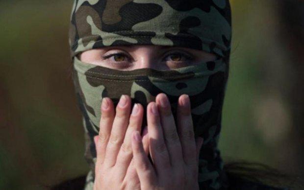 Жінка-воїн: українців підкорила тендітна блондинка, яка пережила м'ясорубку Донбасу