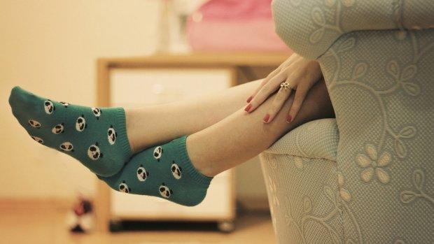 Ты все еще швыряешь под кровать? Девушка заработала миллионы на продаже грязных носков