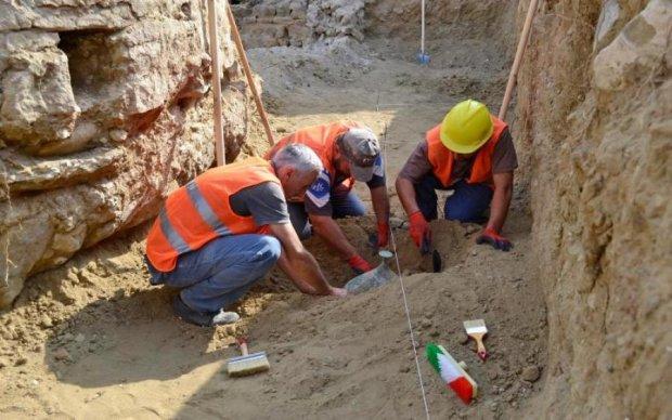 Археологи откопали инопланетного монстра: фото