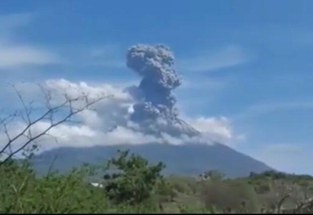 Виверження вулкану Левотоло, скріншот відео