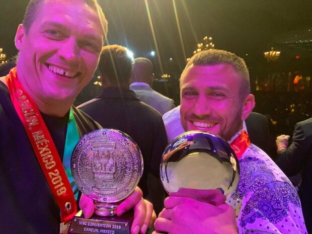 Александр Усик и Василий Ломаченко на Конгрессе WBC
