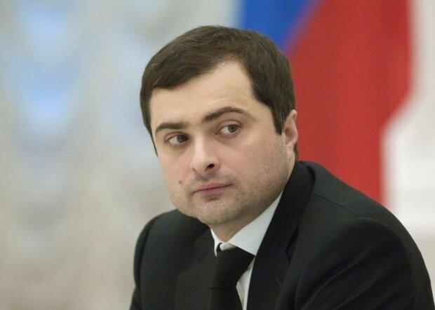 """Встреча с """"Ренатом"""", и не только: JIT опубликовала расшифровку разговора Суркова с экс-главарем боевиков"""