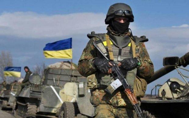 Замайорів український прапор: волонтер нагадав про знакову дату на Донбасі