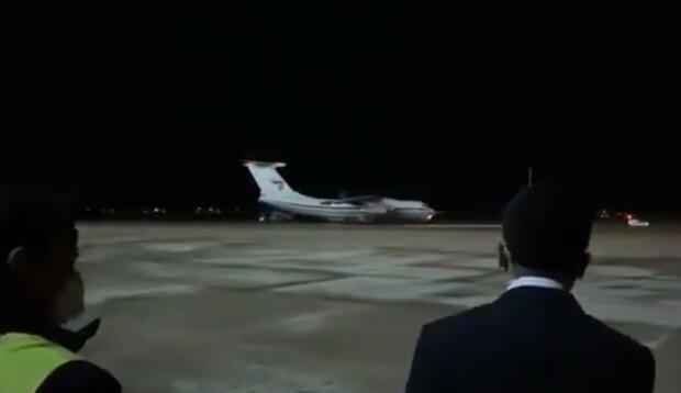 Российский самолет, скриншот с Твиттера