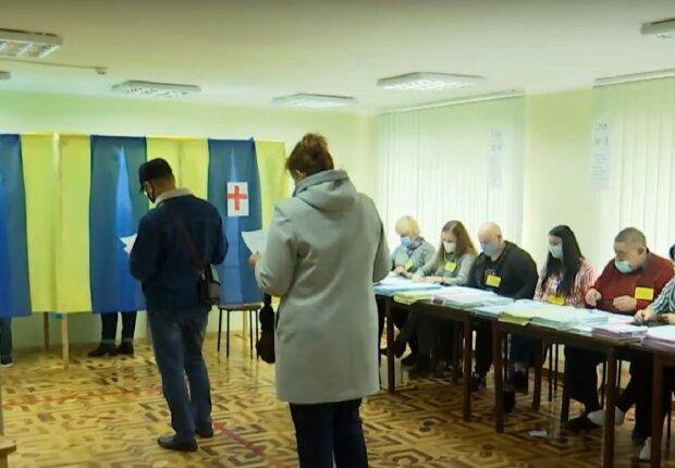 Выборы в Ивано-Франковске, кадр из репортажа ТСН, изображение иллюстративное: YouTube
