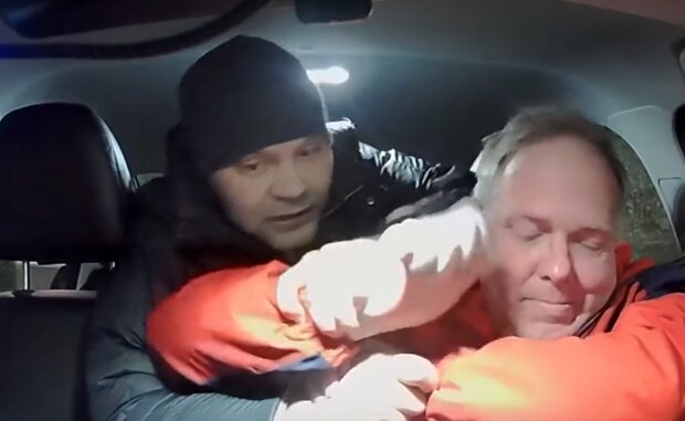 Нападение на таксиста, скриншот: YouTube