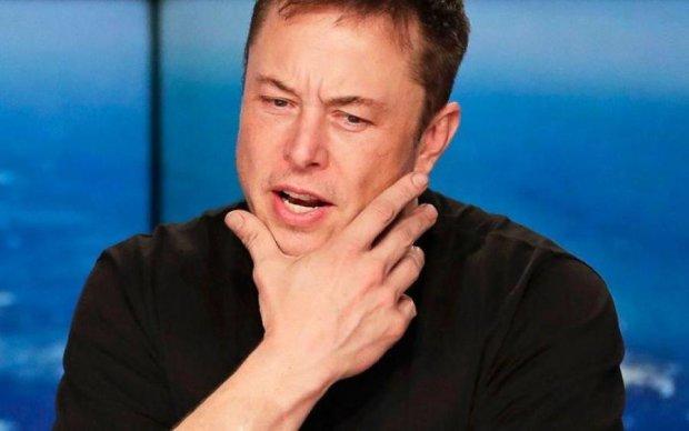 """Маск зізнався, що в Tesla завівся """"щур"""""""