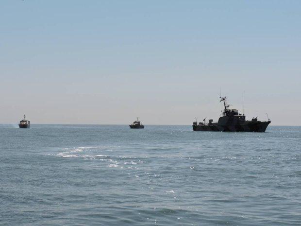 Украинский спецназ опубликовал мощное видео захвата вражеских кораблей: оккупанты до смерти напуганы