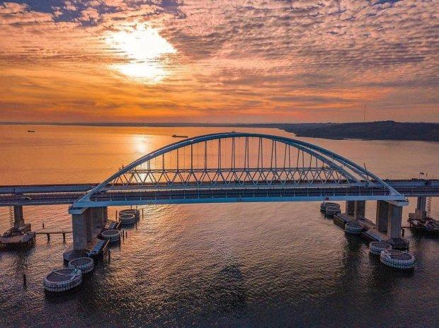 """Кримському мосту кінець: """"велич"""" Росії розсипається просто на очах, і це неможливо зупинити"""