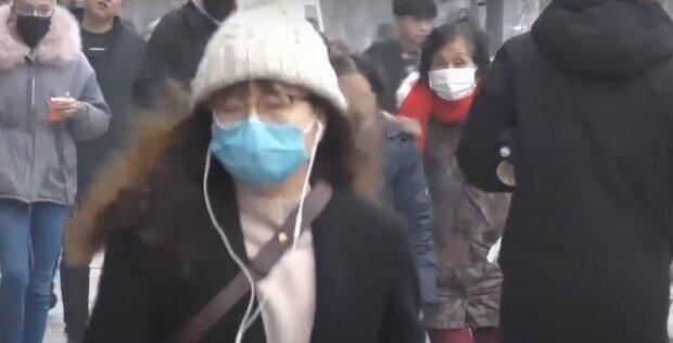 Медицинские маски не спасают от китайского вируса, зато вредят экологии — украинка поразила сеть криком души