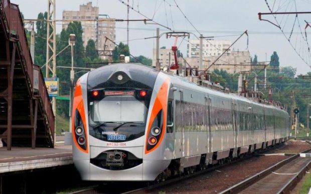 Українцям пообіцяли потяги до Європи