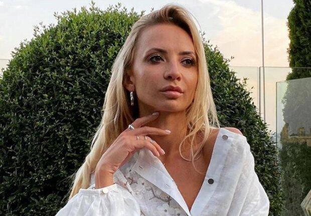 """Полуобнажённая Ирина Сопонару похвасталась идеальной фигурой, мечта многих: """"Заразка не перестает соблазнять"""""""