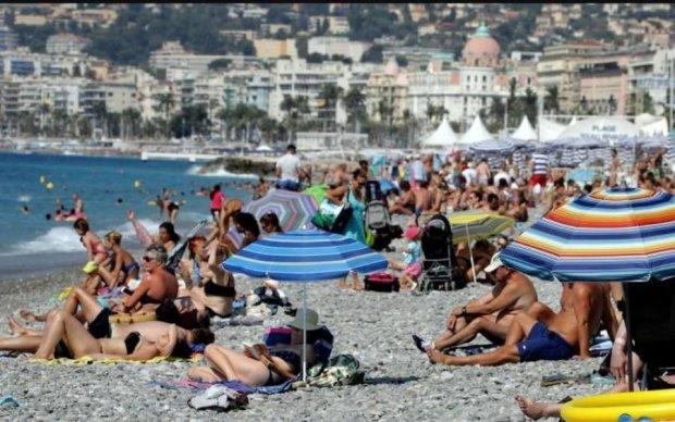 Две недели комы: купание в Черном море обернулось трагедией для школьницы
