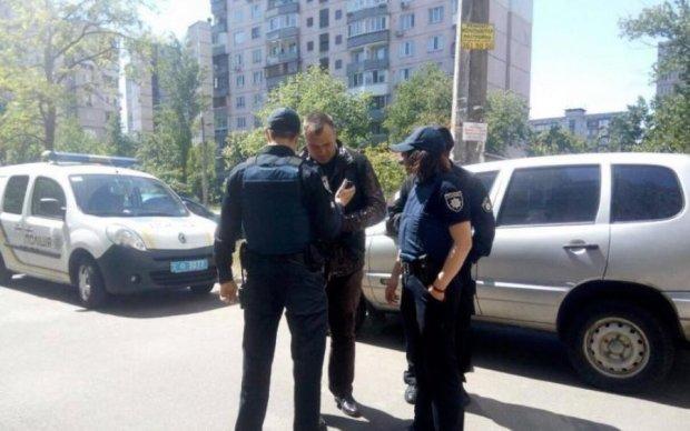 Опубліковані кадри атаки та вибуху біля офісу Азова