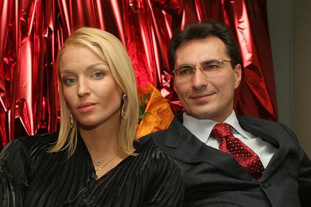 Волочкова требует у бывшего 100 млн: живет на ее деньги, содержит баб