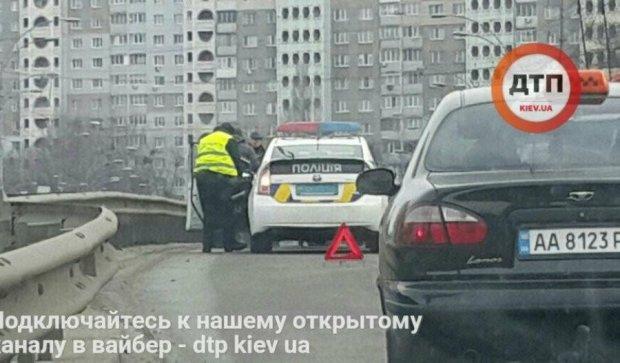 Елементарне порушення правил паралізувало рух у Києві