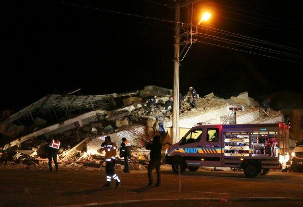 Землетрус у Туреччині, 112 Україна