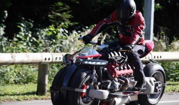 Четырехколесный мотоцикл с двигателемMaserati появился во Франции