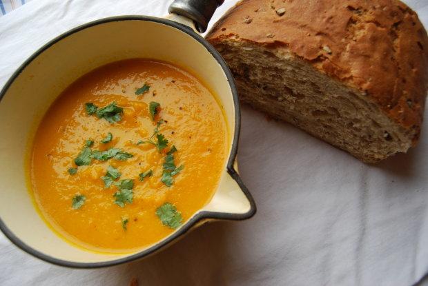 Відірватися неможливо: рецепт медово-морквяного супу