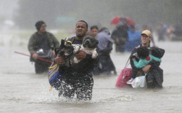 Оскароносний актор поділився мільйонами з жертвами урагану Харві