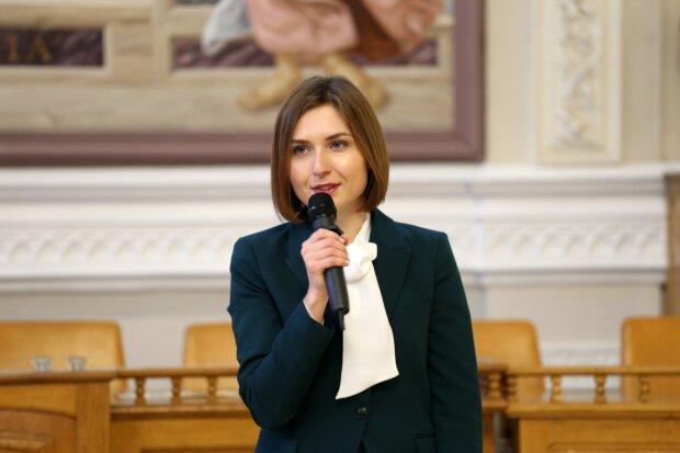 """Опухлі від голоду українці відповіли міністерці Новосад із зарплатою в 36 тисяч: """"Просто огидно..."""""""