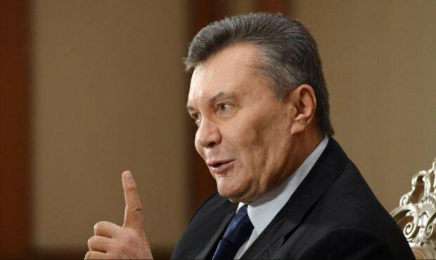 Зеленский отличился шуткой о Януковиче на День Независимости: венок падал, украинцы хохотали
