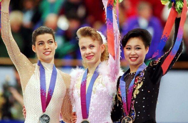 олімпійська чемпіонка Оксана Баюл (в центрі)