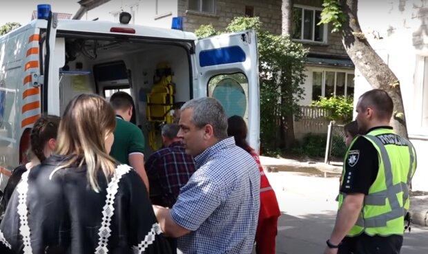 На Тернопільщині чоловік загинув страшною смертю в лісі - впало і розчавило