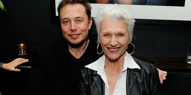 Илон Маск с мамой, фото из открытых источников