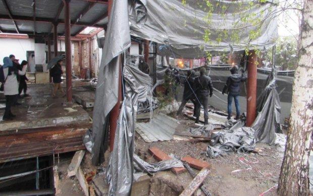 У Полтаві гаряче: димлять шашки і звучать протести