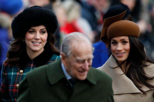 """Елизавета II подарила Меган Маркл и Кейт Миддлтон  """"Рождественское перемирие"""": теплые фото"""