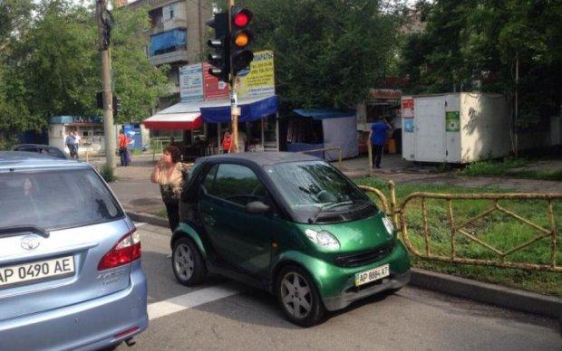 Що ви знаєте про паркування: міні-автохам шокував киян