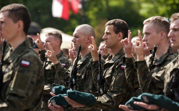 Польша отчаянно готовится к войне с Россией: последние миллиарды уходят на армию