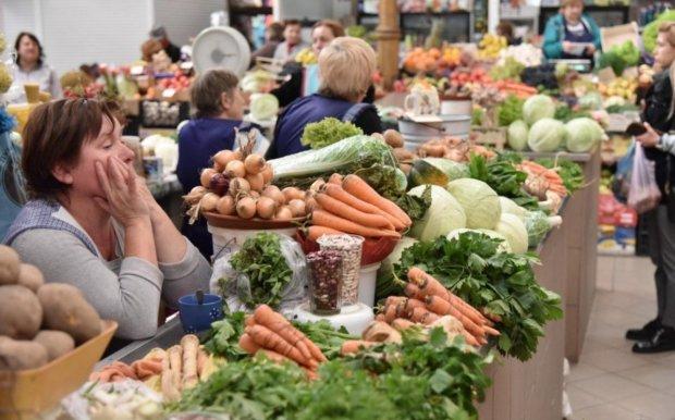 Ранні овочі на ринку