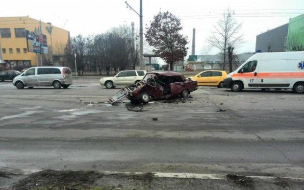 У моторошній ДТП загинула сім'я українського поліцейського: відео 18+