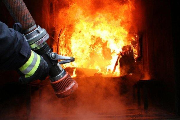 Пекельна пожежа на Харківщині забрала життя літнього чоловіка: син бачив, як горів батько